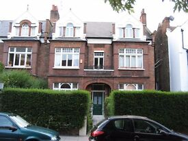 Stylish 2 bedroom garden flat (1 dble, 1 sngle) in South Hampstead.