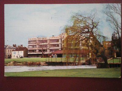 POSTCARD CAMBRIDGESHIRE CAMBRIDGE - UNIVERSITY CENTRE GRANTA PLACE