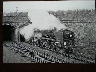 PHOTO  SR BULLEID MERCHANT NAVY 4-6-2 35028 CLAN LINE