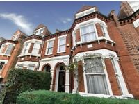 Zone 2, Herne Hill, SE24, Large,comfortable bed-sit in a quiet, well maintained period house
