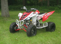 Raptor 700 special edition a vendre ( BCP D'EXTRAS!!)