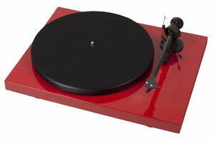 *** Pro-Ject Audio Debut Carbon Phono USB DC Turntable***