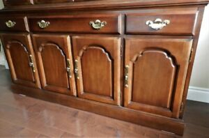 Strathroy dining room buffet,11 X 19 x 33 inches,a  new cond