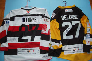 GILBERT DELORME (CH), 2 CHANDAILS de HOCKEY AUTHOGRAPHIÉS