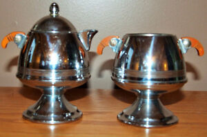 VINTAGE Bakelite & Chrome Art Deco Creamer and Lidded Sugar Set
