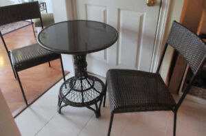 Bistro glass-topped Table with 2 Chairs