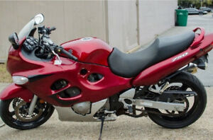 Red 05 Katana 750 - under 10k kilometres priced to sell fast !