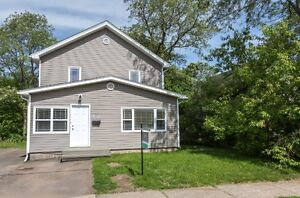 INCOME PROPERTY CLOSE TO ACCOMMODATIONS & UNIVERSITY