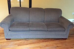 LA-Z-BOY Sofa with Pull Out Queen Mattress
