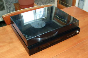 Fisher Semi Auto Turntable