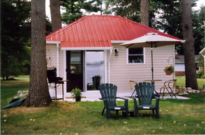 COMFORTABLY FURNISHED WATERFRONT BUNKIE SLEEPS 1 OR 2 TRNT/BLVL