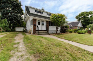 3 bedroom home for rent close to downtown Meaford