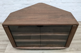 Ercol Tv Cabinet (DELIVERY AVAILABLE)
