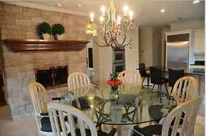 Drexel Heritage 90 inch round dining table and chairs Windsor Region Ontario image 1