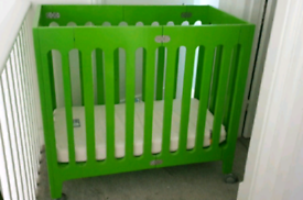 Alma Bloom mini space saver crib w/ wheels baby bed folding travel cot