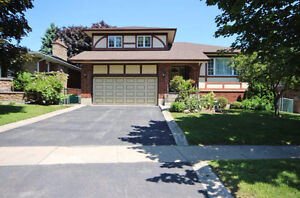 Malinoff/Brent Team - 93 Country Club Drive