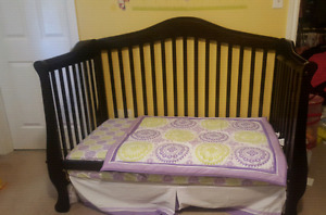 Victorian style crib/toddler bed/single bed