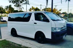 2006 HiAce van