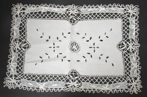 19 x 13 Antique/Vintage Bobbin Lace Cutwork Embroidered Doily Placemat - CREAM