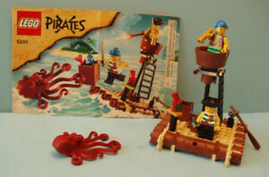 LEGO PIRATES no 6240, L'ATTAQUE du KRAKEN