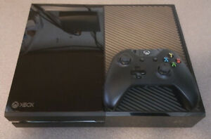 Xbox One 500 Gb (Black) with Controller