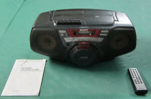 SONY CD RADIO CASSETTE AUXILIAIRE MP3.