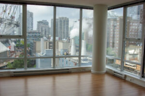 BEDROOM Available in 2 bedroom apartment in Downtown Vancouver