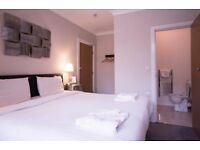 En- suite room in trendy location. Newly refurbished house. Available NOW!!