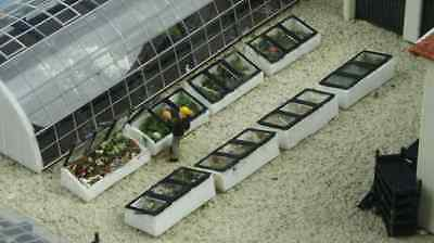 Luetke Z Scale 73301 Nursery Accessory Set of 8 Cold Frames Plants Set Kit *NEW