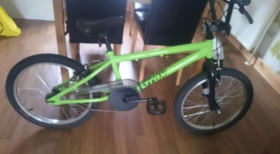 Boys green bmx. Always kept indoors. Used twice. Brand new condition. Age 10
