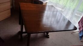 Extendable Dining Table with two chairs