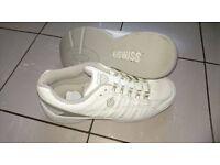 K-Swiss indoor (carpet) Tennis shoes
