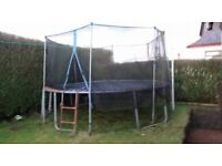 14 Ft Trampoline with side net