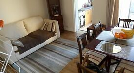 Double room for rent in a quiet shared house