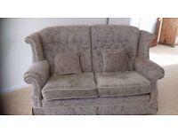 Sofa.Small cottage style sofa