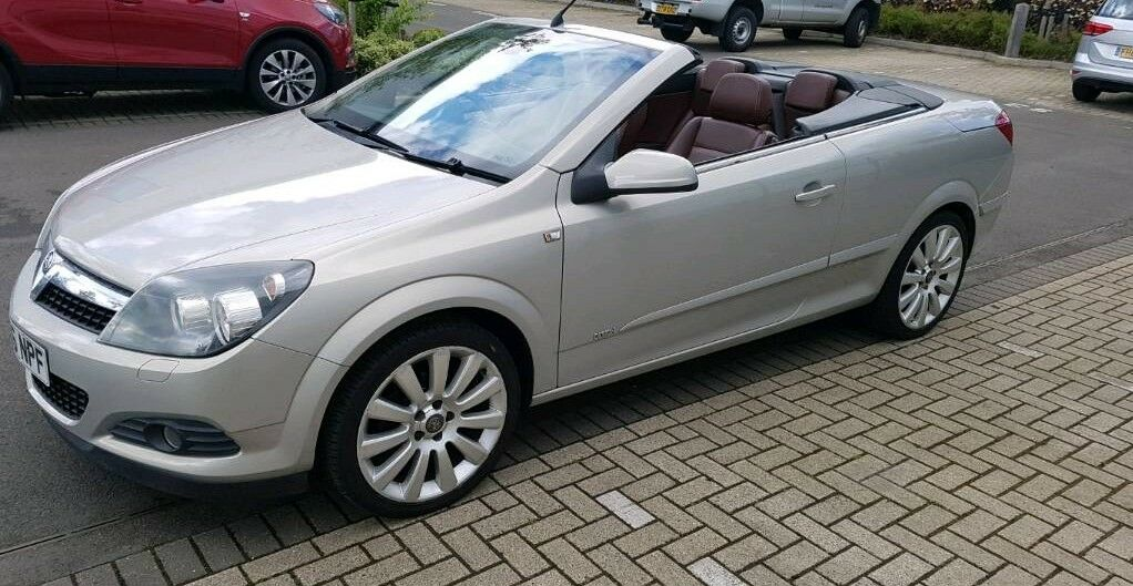 vauxhall astra twintop in reading berkshire gumtree. Black Bedroom Furniture Sets. Home Design Ideas