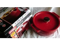 Pyrex Red Slow Cook - 3.6 litre, 24cm Round Casserole pan. NEW