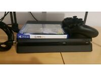 Ps4 slim 500gb fifa 18 and controller obly a few weeks old