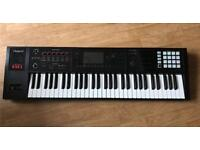 Roland FA-06 61 Key WorkStation Keyboard & Case