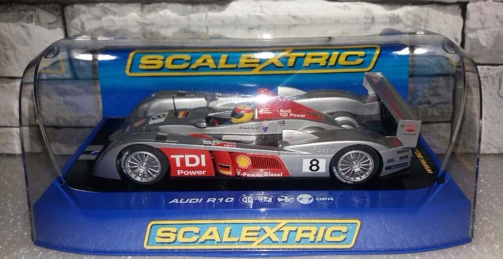 Scalextric C2809 AUDI R10 TDI POWER N° 8 NEW