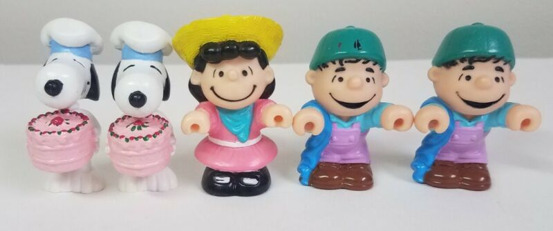 Peanuts United Feature Syndicate Vintage Figures-Rare Snoopy PVC-1966