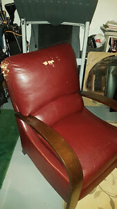 Stylish Dark Red/Burgundy Bonded Leather Recliner