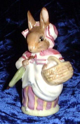 Beswick Beatrix Potter figurine Mrs. Rabbit BP2  Umbrella Out