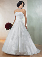 "Maggie Sottero ""Topaz"" Wedding Gown Size 8 (more like a 4-6)"