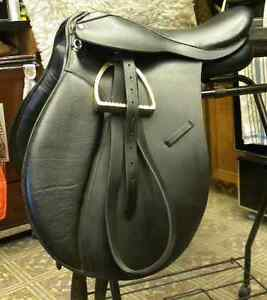 BRAND NEW - BLACK LEATHER - SIZE 17.5 SEAT - DRESSAGE SADDLE
