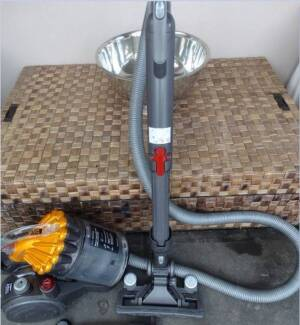 Dyson DC 23 Vacuum Cleaner