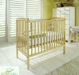 Kinder valley Sydney cot. Natural pine. With free mattress. Brand new.