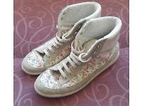 River Island Cream Floral Trainers