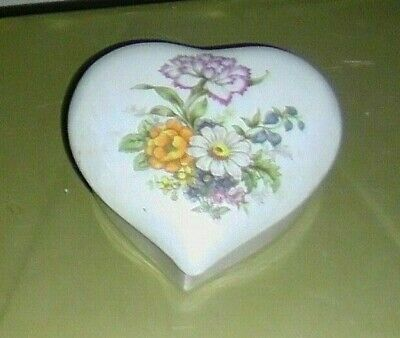 Vintage Iridescent Beautiful Porcelain Ceramic Heart Shaped Trinket Jewelry Box.