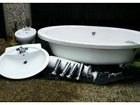 Free standing bath with chrome feet + washhand basin and bidet excellent condition
